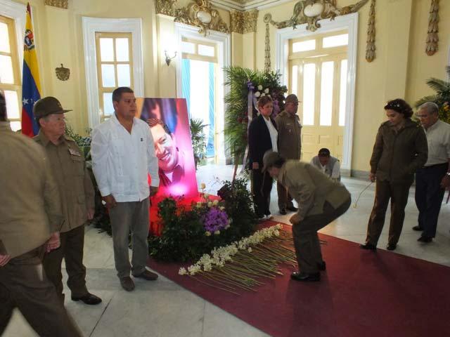 Sensible tributo de los villaclareños al Comandante Hugo Chávez…..Dalia Reyes Perera